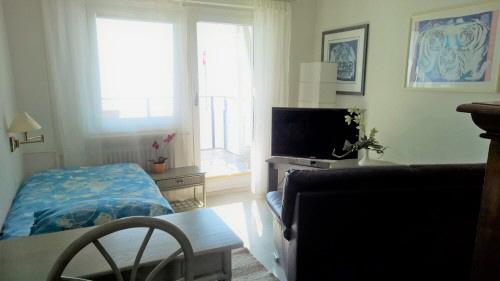 zimmer 116. Black Bedroom Furniture Sets. Home Design Ideas